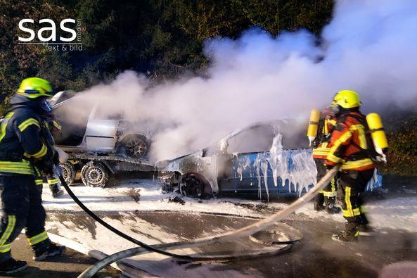Brennende Autos nach Unfall auf der A3